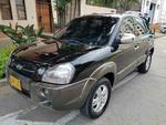 Hyundai Tucson GL CRDI MT 2000CC 4X2 FE 2 AB TD