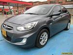 Hyundai Accent i25 GL MT 1400CC AA